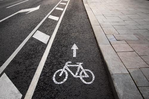 A photo of a bicycle lane in Manhattan, NY.