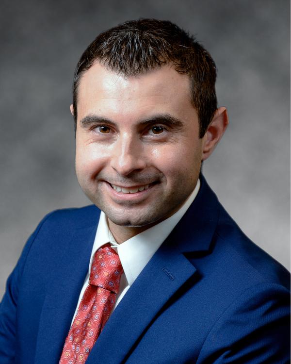 Robert Peragine - Melville Injury Attorney
